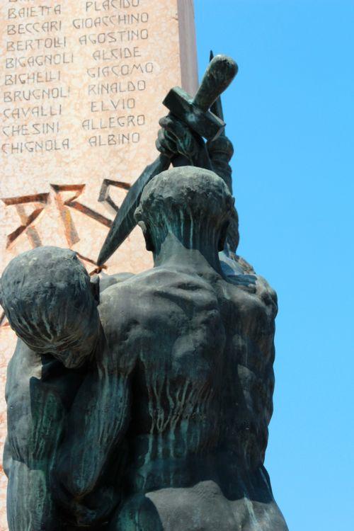 sculpture garda bardolino