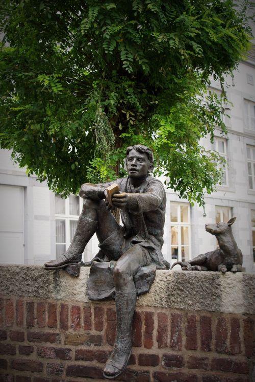 sculpture bronze bookworm