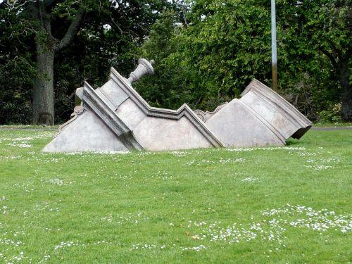 sculpture architectural monument