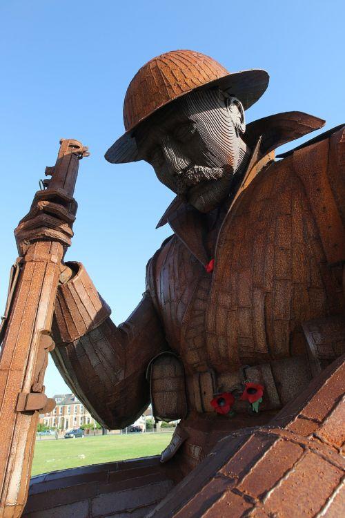 sculpture tommy soldier