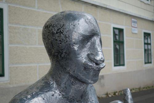 sculpture silver metallic