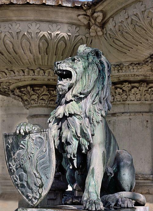 sculpture lion braunschweig