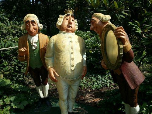sculpture garden fairy tales