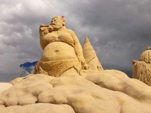 sculpture sand creativity