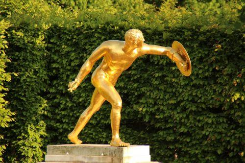 sculpture garden bust