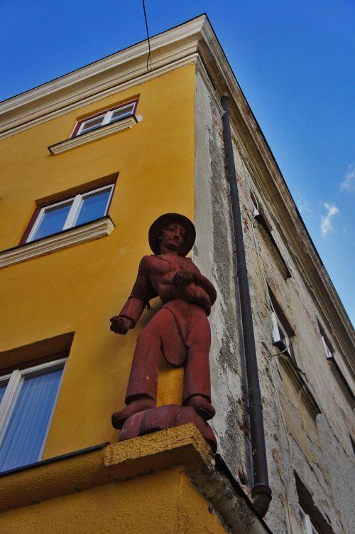sculpture bauer figure