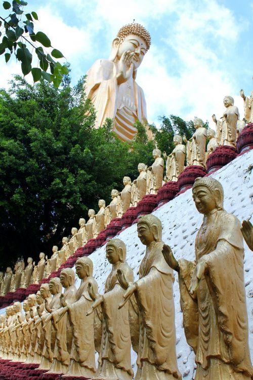 sculpture statue travel