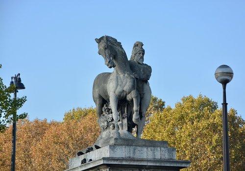 sculpture  sculpture esplanade of the trocadéro  paris france