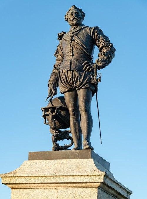 sculpture  sir francis drake  plymouth