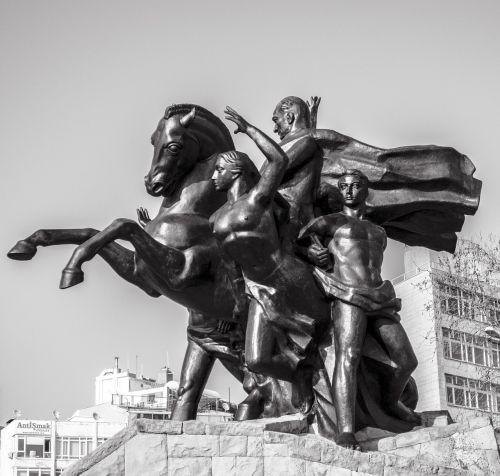 sculpture atatürk antalya
