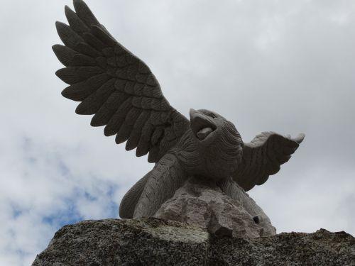 sculpture adler fly