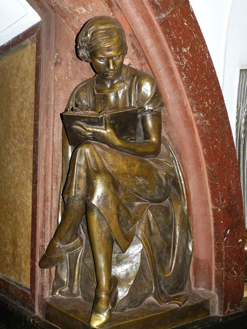 sculpture woman statue