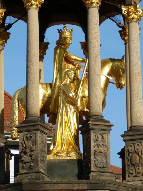 sculpture golden magdeburger reiter