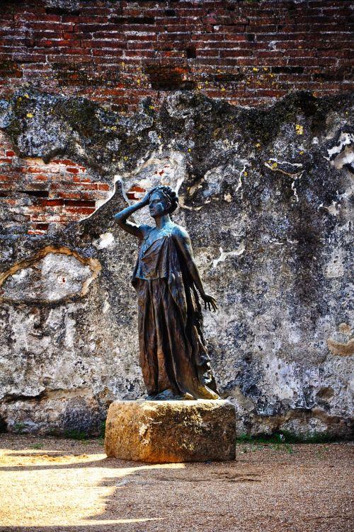 sculpture art merida