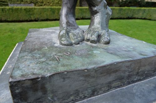 sculpture feet rodin