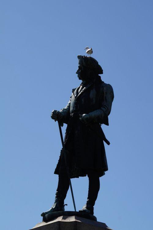 sculpture man seafarer