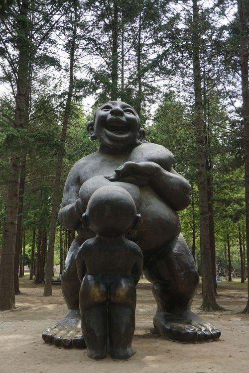 sculpture nami wood