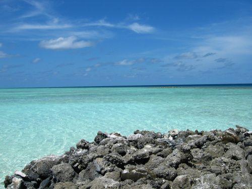sea maldives summer