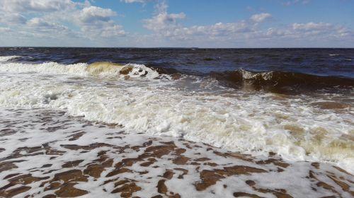 white sea island cue storm