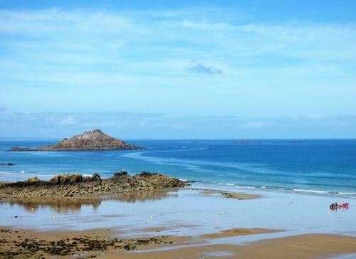sea brittany island