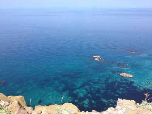 sea emerald green water