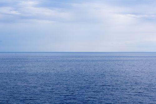 sea horizon sky