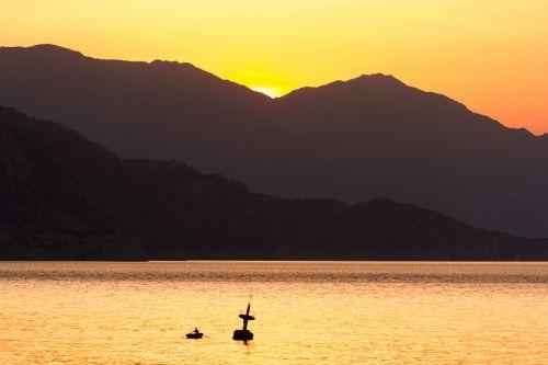 sea sunrise mirroring