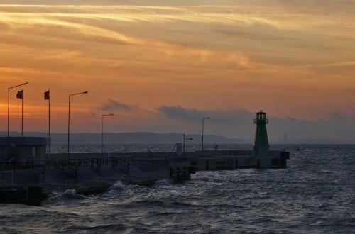 sea lanterns the waterfront