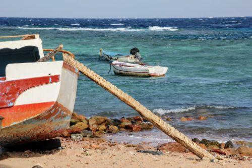 sea boot ship