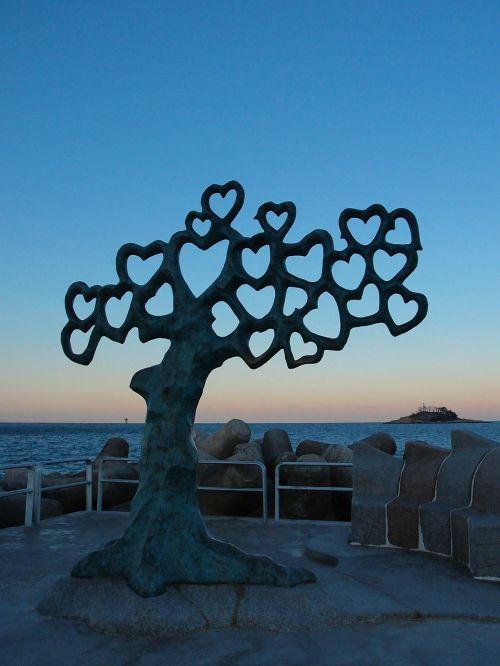 sea glow sculpture
