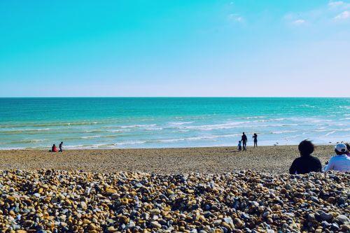 jūra,dangus,vasara,ryškus,atostogos,saulė,papludimys,bangos,vanduo,atsipalaiduoti,ramus,Anglija,uk,Europa,keliauti į Europą,pasaulis,keliauti aplink pasaulį,Jungtinė Karalystė,chill,Laisvas,kelionė,kelionė,keliauti,vandenynas,draugas,Draugystė