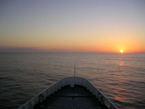 sea ship boot