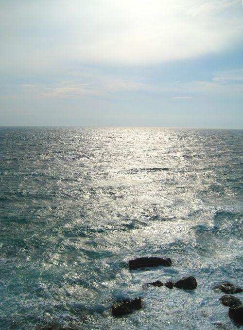 jūra,saulė,vanduo,vandenynas,gamta,papludimys,banga,horizontas,niekas,saulės šviesa,mėlynas,dangus,vėjas,diena,oras,debesis