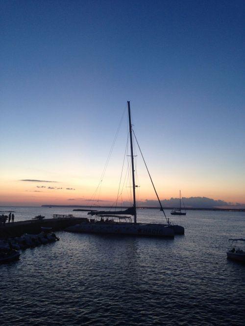 sea catamaran holiday