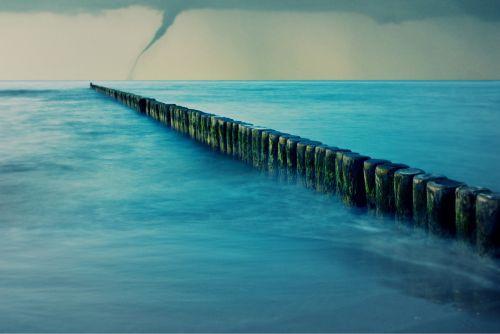 sea tornado forward