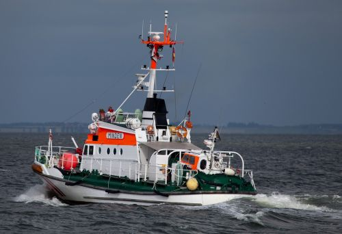 sea rescue cruiser shipping rescue