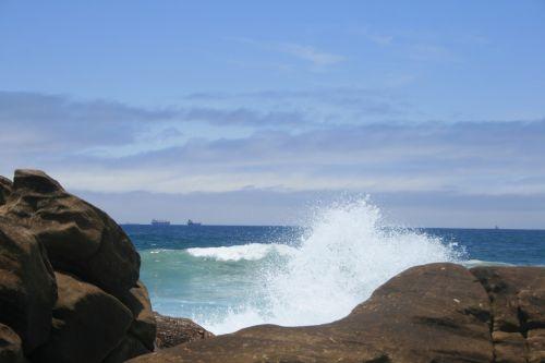 Sea Spraying Against Rocks