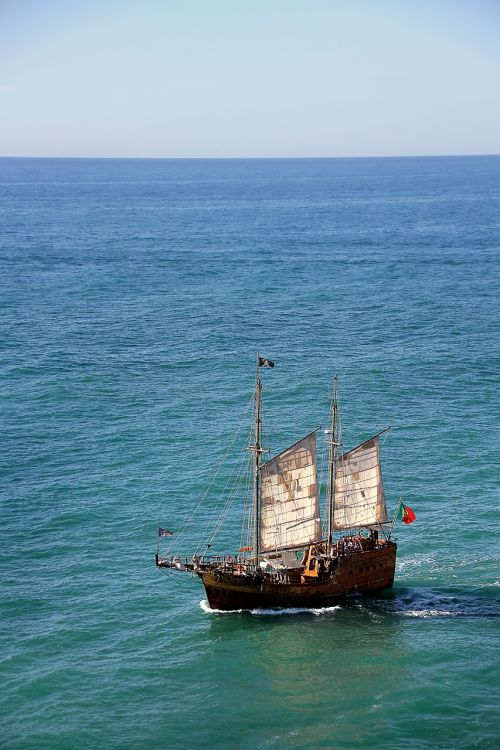 seafarer pirate sailing vessel
