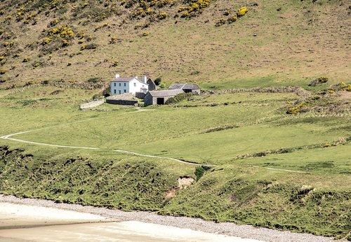 seashore  cottage  remote