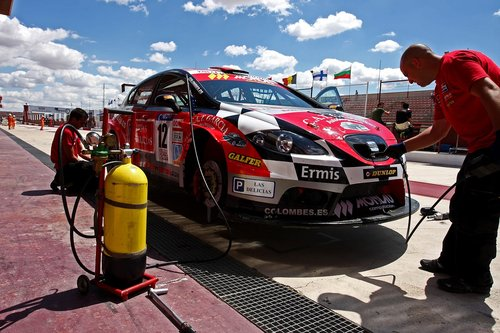 seat  leon  championship of spain of resistance