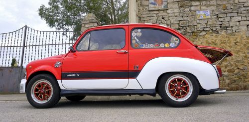 seat 600 red classic