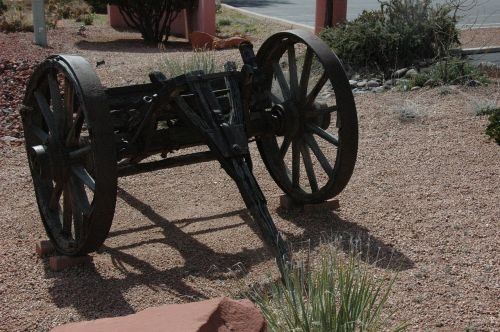 sedona arizona old wagon wheel