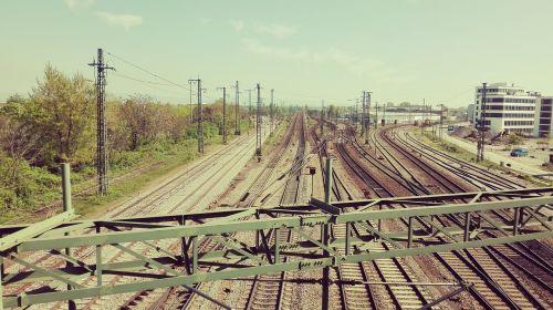 seemed bridge trains