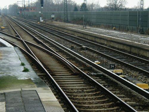 seemed gleise track