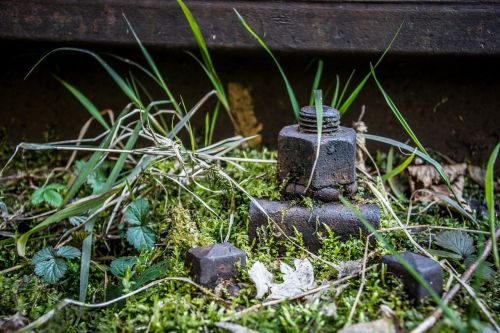 seemed screw iron train
