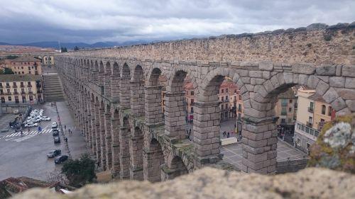 segovia bridge aqueduct