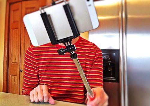 selfie selfie stick phone
