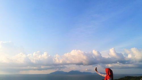 selfie happy clouds