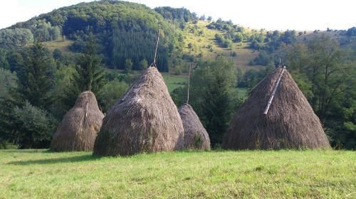 serbia lukovskaya bath village