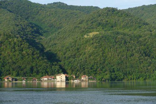 serbia danube river cruise